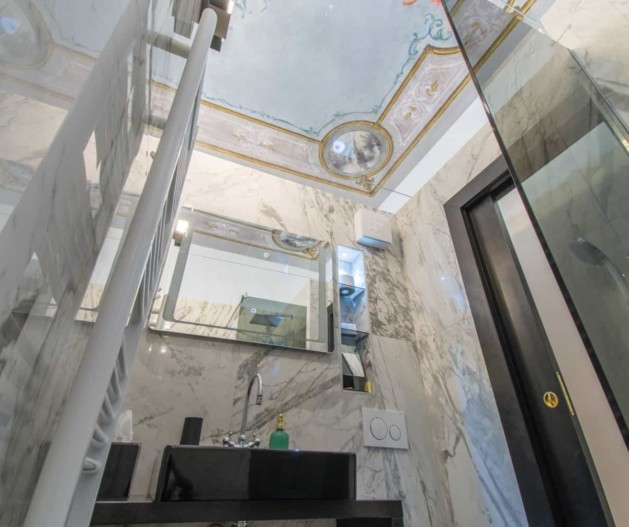 Marble bathroom, fresco ceilings in Historical room King Krešimir Heritage Hotel, Šibenik